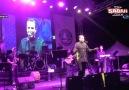 Rafet El Romandan sahnede büyük gaf!