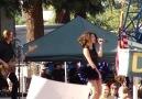 Selena Gomez- Round and Round ( Live 2010 )