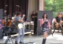 Selena Gomez - Tell Me Something I Dont Know  ( Live 2010 )