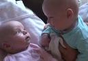 Sevimli İkizler Dertleşiyorlar.. :))