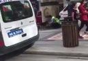 Susuz kalan köpeğe elleriyle şu içiren trafik polisimiz