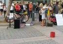 Tek kişilik orkestra ve müzik sokakta Daha fazlası için youtube kanalımız