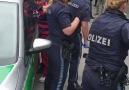 TRT Avrupa - Alman polisi Münihte bir çocuğu maske...