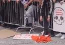 Türk bayrağına saygı göstermeyen... - Kalbine Sakla Beni