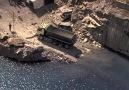 Uçurumun kenarında, hamstera kamyon sürdürmek ( Volvo reklamı )
