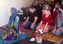 Une femme imam allah akbar