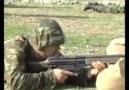 Vine Politik - Yunan askeriDosta korkuDüşmana güven...