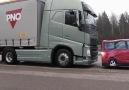 Volvo'dan kamyonlar için İNANILMAZ bir acil fren sistemi!