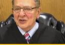 Yargıç Frank Caprio davalarında sergilediği tutumun sebebini anlatıyor.