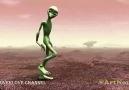 Yeni Akım Dans Eden Yeşil Uzaylı
