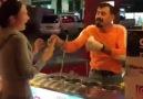 Yurdum dondurmacısı ve Rus turist - FETHİYE HABER BÜLTENİ