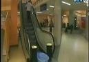 Yürüyen merdiven şakası . . :))