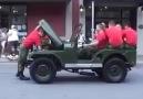 Bir Jeep sadece 4 dakikada parçalanıp yeniden yapılabilir mi ?