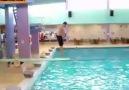 Havuza atlayışta yeni stil öğrnmek isteyenler mutlaka izlemeli xD