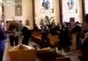 Kilise Görevlileri Putu Düşürürse