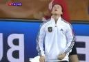 Mesut Özil'den sakız şov!