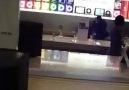 NewYork Apple Store'da Ankaralı Namık Rüzgarı