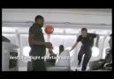 THY, Manchester U. futbolculara uçak içinde futbol oynattı...