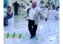 Düğünde Kelebeğe Dönüşen Adam - En komik video izle